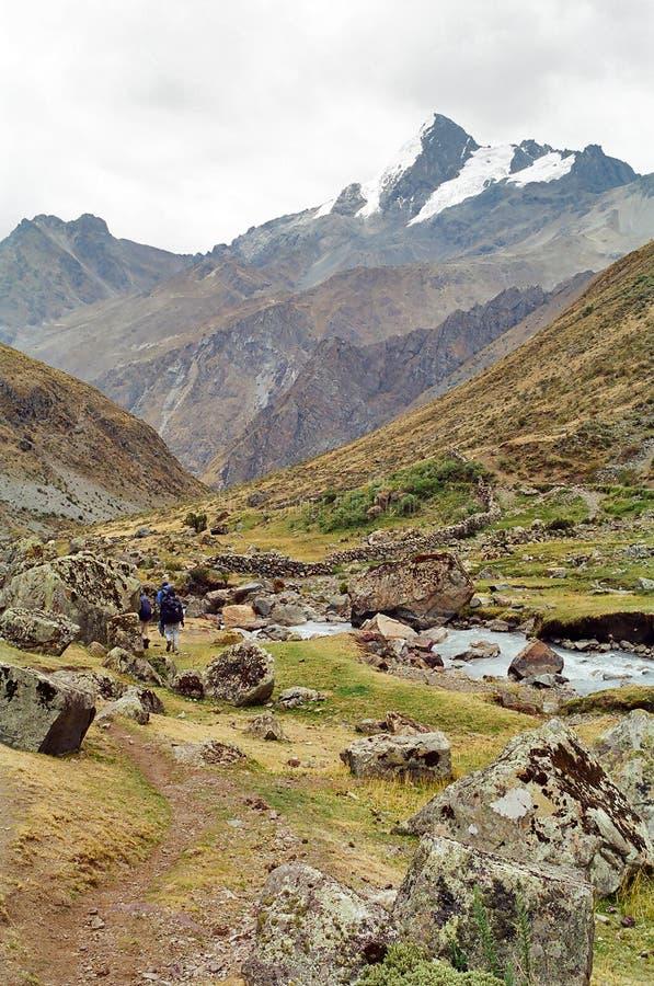трек Перу huayhuash стоковые изображения rf
