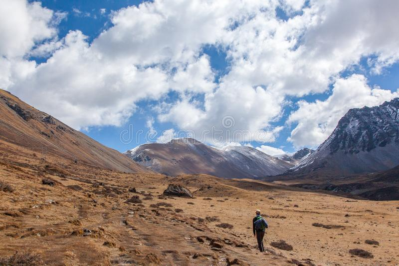Трек Jumolhari большой возвышенности в Бутане стоковое фото rf