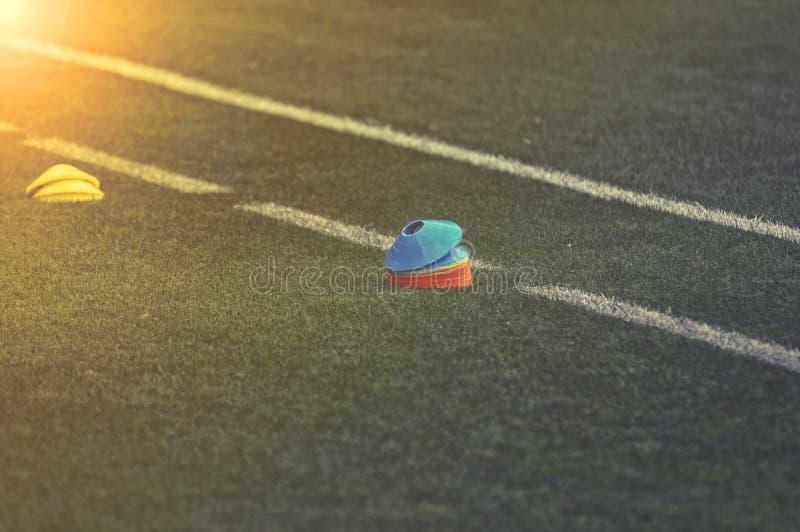 Тренажер футбольного поля футбола стоковые изображения