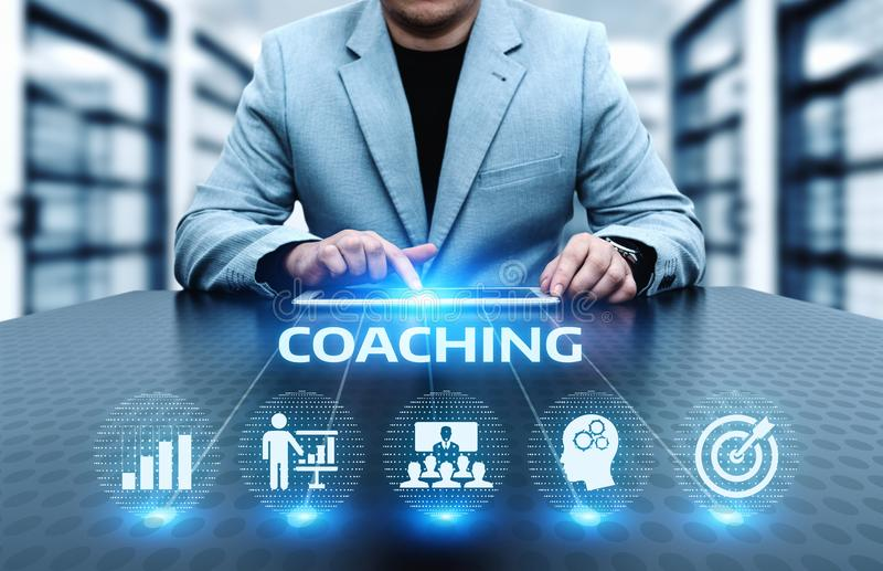 Тренировать концепцию обучения по Интернетуу развития тренировки образовательного бизнеса менторства стоковые фотографии rf