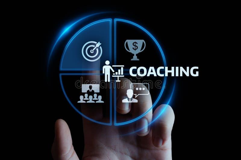 Тренировать концепцию обучения по Интернетуу развития тренировки образовательного бизнеса менторства стоковое фото