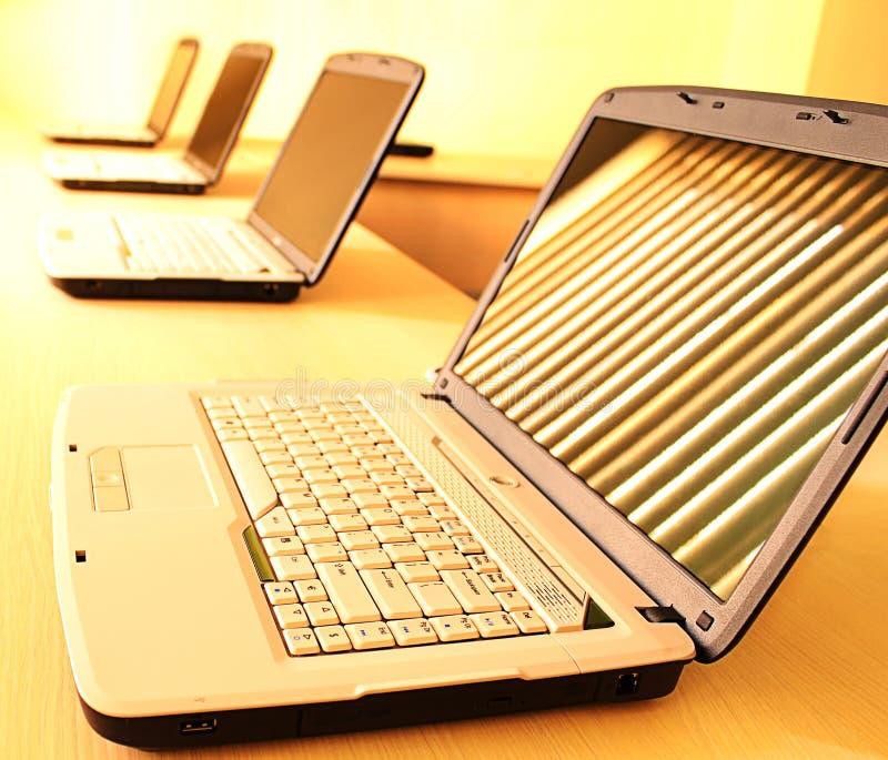 тренировка компьютерной комнаты стоковая фотография