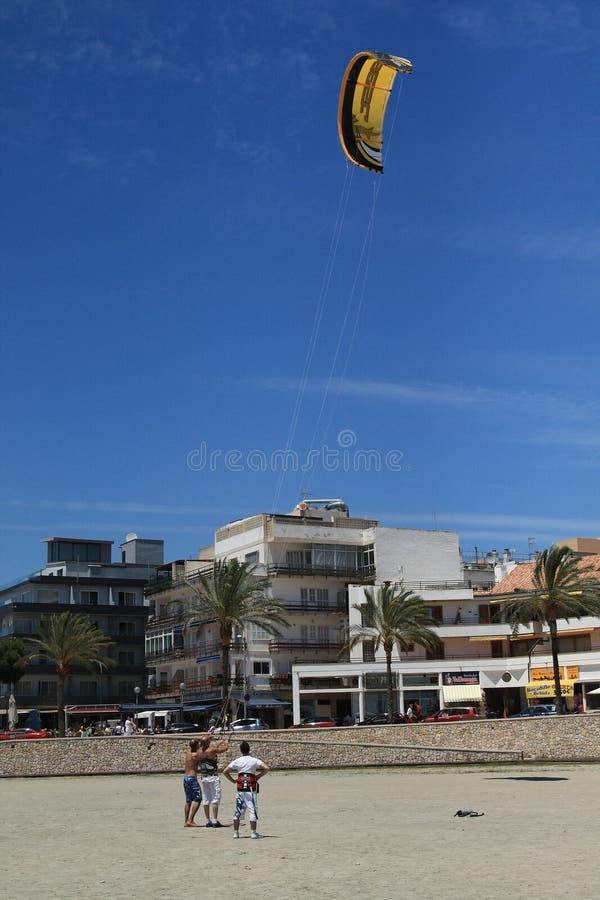 Тренировка Kitesurfing стоковые фотографии rf