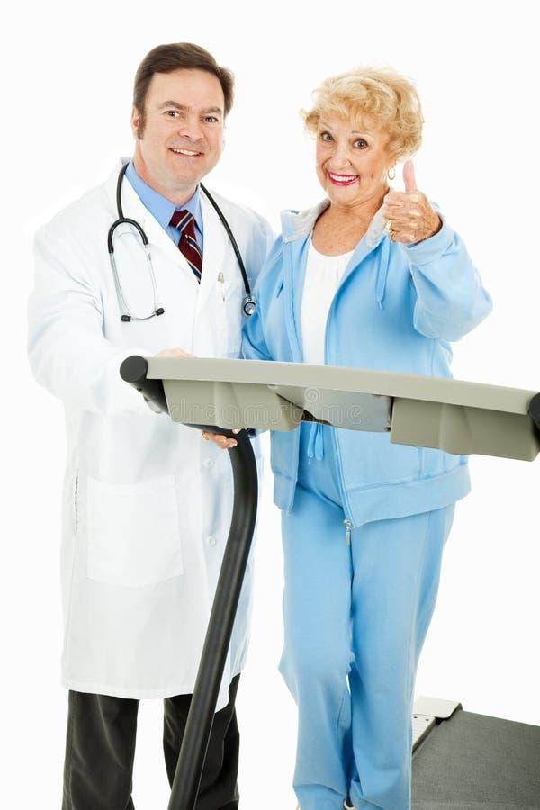 тренировки, котор наблюдали программа медицински стоковые фото