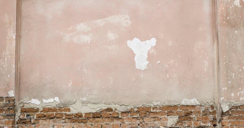 Треснутая конкретная винтажная кирпичная стена Смогите использовать для предпосылки стоковая фотография