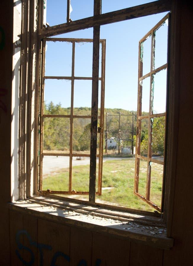 Треснутые окна стоковые изображения
