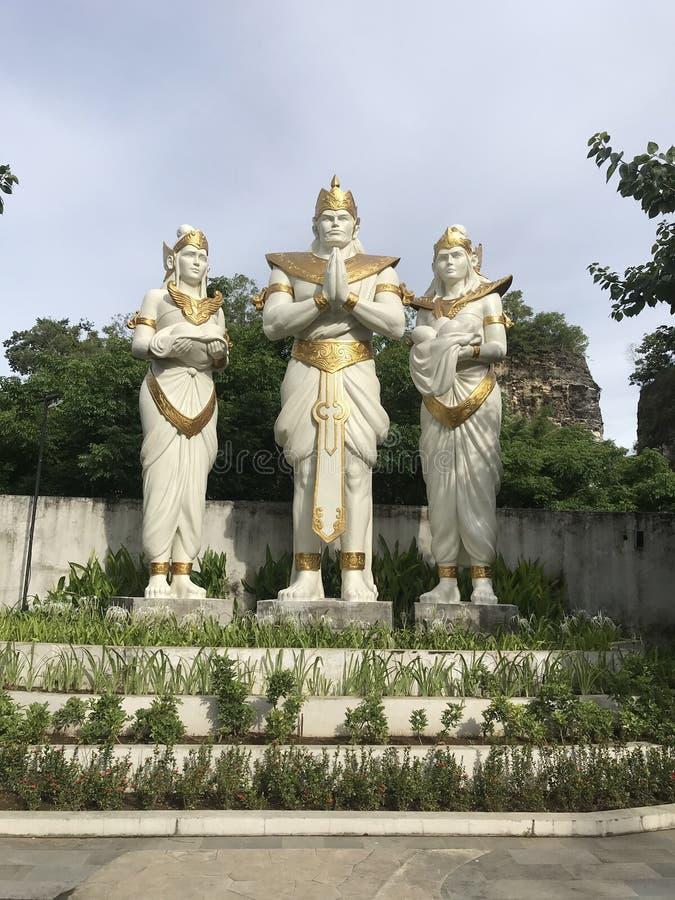 Трио buddhas, парк Garuda Wisnu Kencana культурный стоковое фото