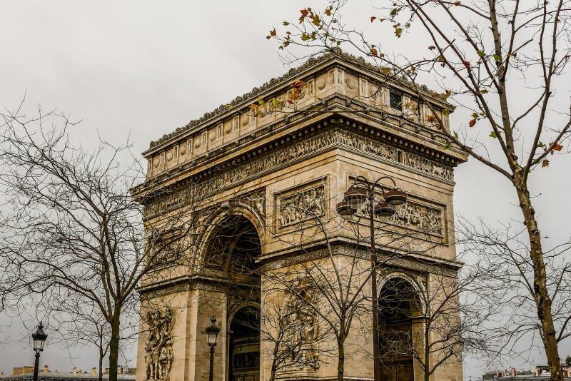 Триумфальная Арка, изображение фото красивый панорамный вид города Парижа столичного стоковые фотографии rf