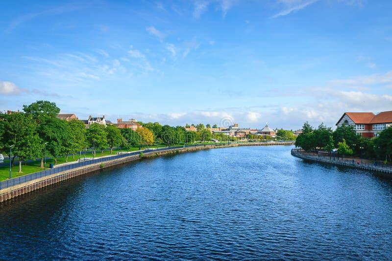 Тройники реки на Stockton-на-тройниках, северном Йоркшире стоковое изображение