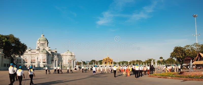 Трон Hall дворца Ananta Samakhom в Бангкоке стоковые фото