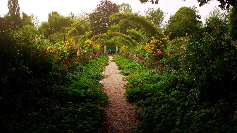 Тропа сада Monet в Giverny, Франции стоковые изображения