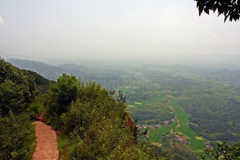 Тропа na górze горы Qiyun, Китая стоковое изображение rf