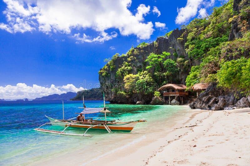 Тропические праздники - уникально природа и красивые пляжи Phili стоковое изображение