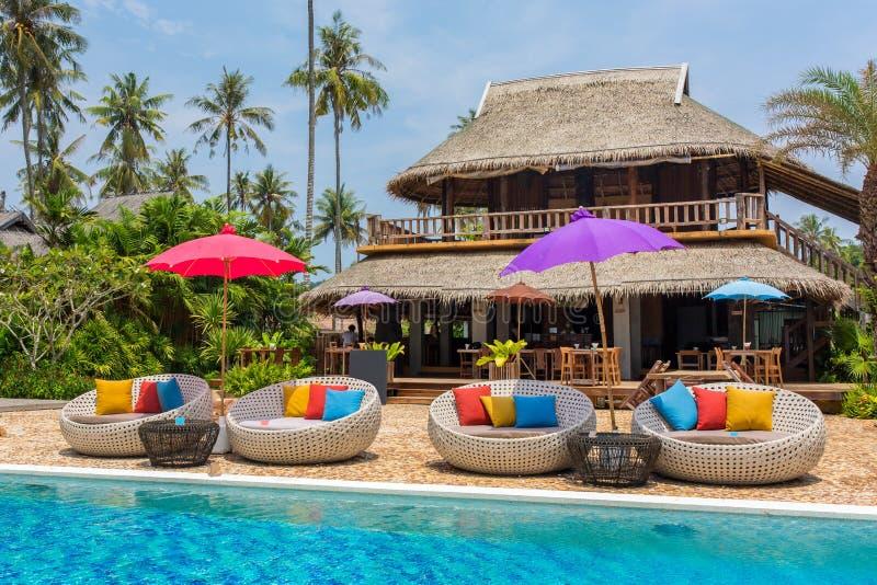 Тропический курорт с баром бассейна и кафа на острове Kood Koh стоковое фото rf