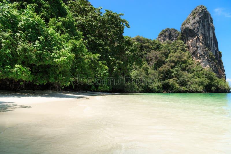 Тропический остров рая стоковое фото