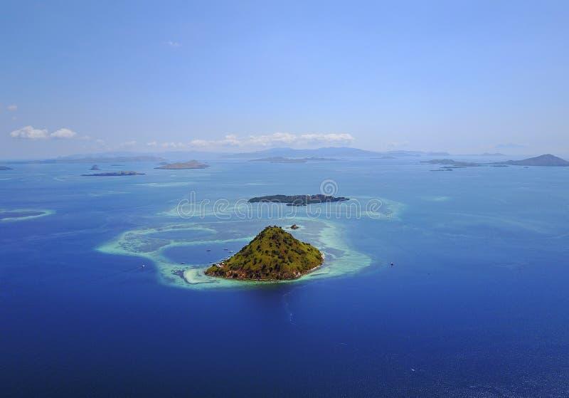 тропическое океана Мальдивов острова снятое гидросамолетом малое принятое было Съемка была принята для стоковые фото