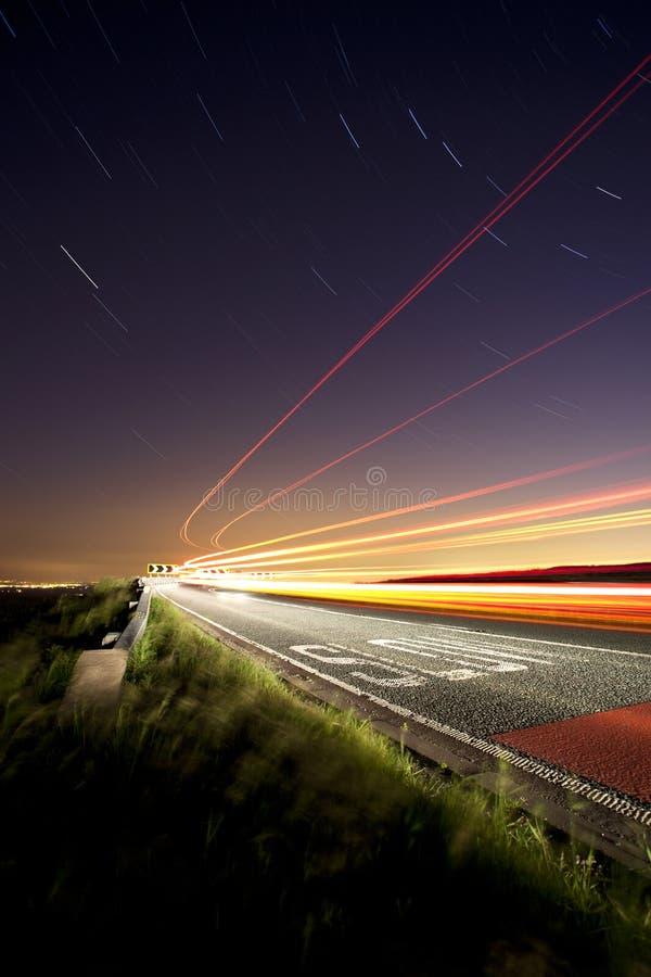 тропки дороги света скрипки кота сельские стоковые фото