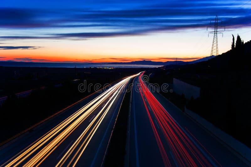 Тропки света автомобиля стоковые изображения rf