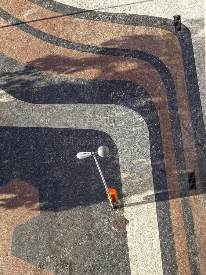 Download Тротуар Copacabana, Рио-де-Жанейро Стоковое Фото - изображение насчитывающей baxter, backhander: 40576762