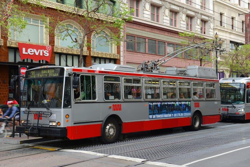 Троллейбус в Сан-Франциско, Калифорнии стоковые фото