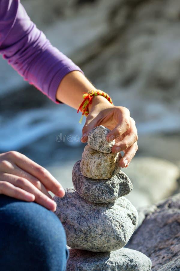 Тролль - пирамида камней стоковые фото