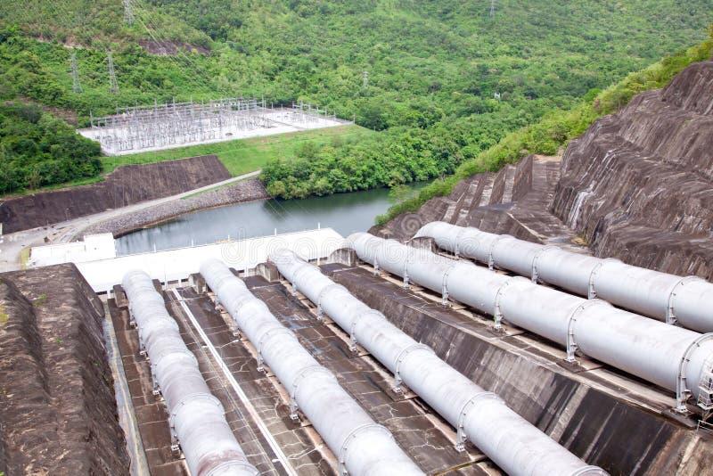 Труба водопровода гидро электростанции стоковое изображение