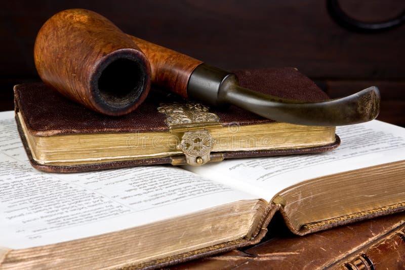 труба книг стоковое изображение