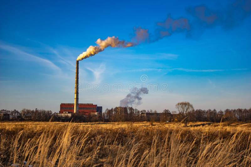 Труба электрической станции тепловой мощности стоковое изображение rf