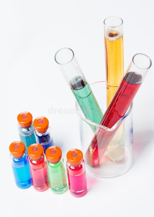 Download Трубки в лаборатории стоковое фото. изображение насчитывающей стеклоизделие - 40578894