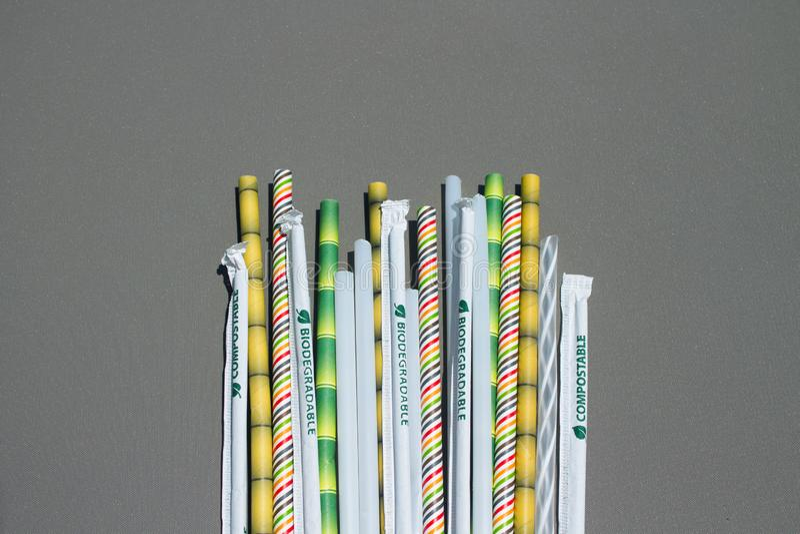 Трубки коктейля ряда biodegradable стоковые фото