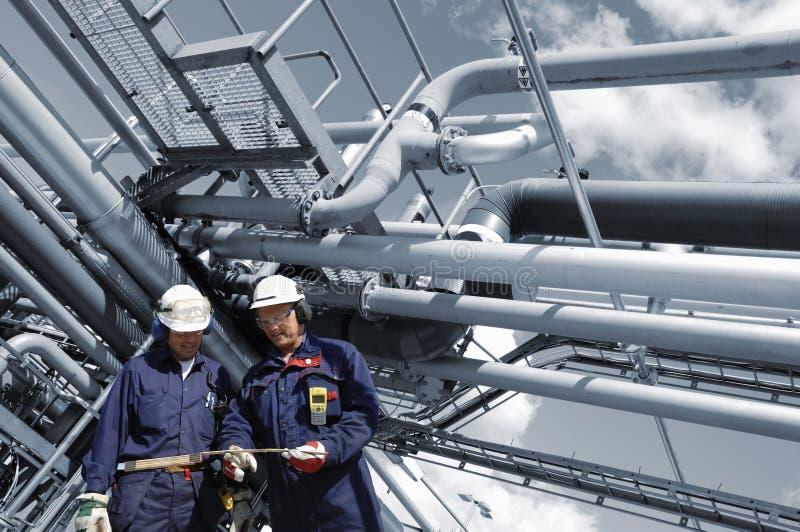 трубопровода топлива инженеров стоковое изображение rf