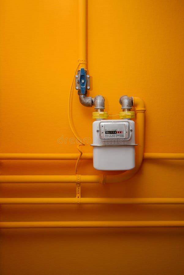 газовый счетчик на стене фото можно запечь