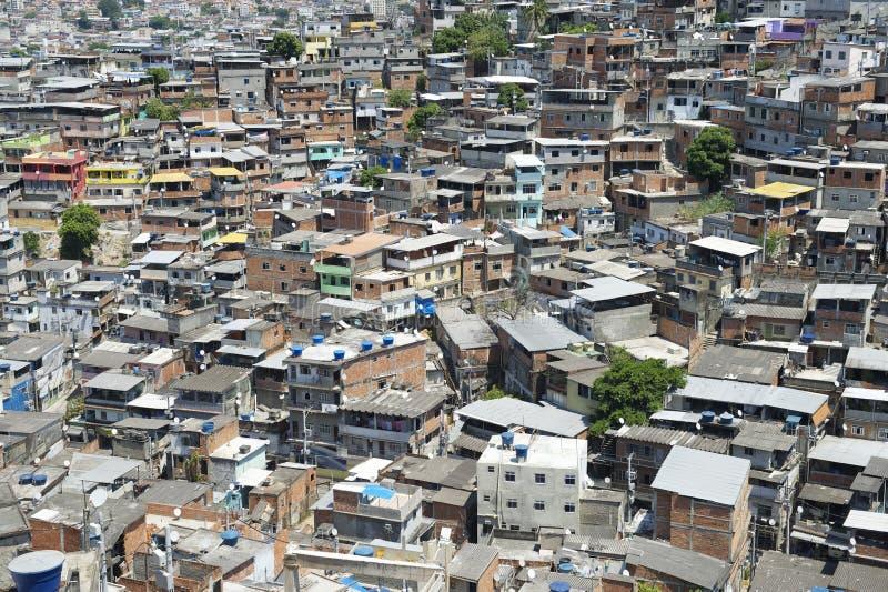 Трущобы Рио-де-Жанейро Бразилия горного склона Favela бразильские стоковое фото rf