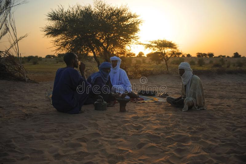 Туареги в Тимбукту стоковое изображение