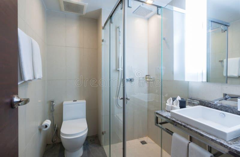 Download Туалет стоковое изображение. изображение насчитывающей дивизионов - 33739249
