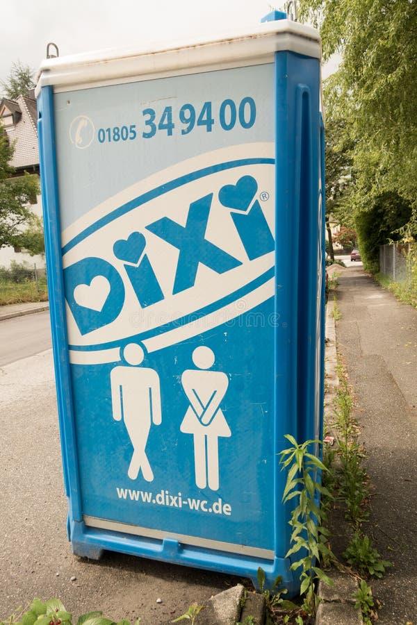 Туалет Dixi стоковое изображение