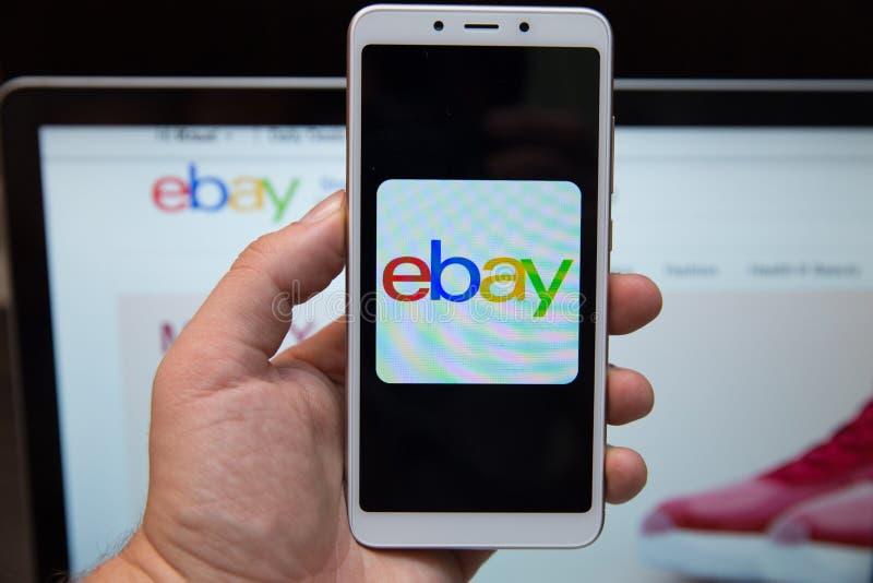 Тула, Россия - 31-ое октября 2018:: Закройте вверх приложения eBay на экране iPhone 6 Яблока eBay одно из самое большое онлайн стоковые фотографии rf