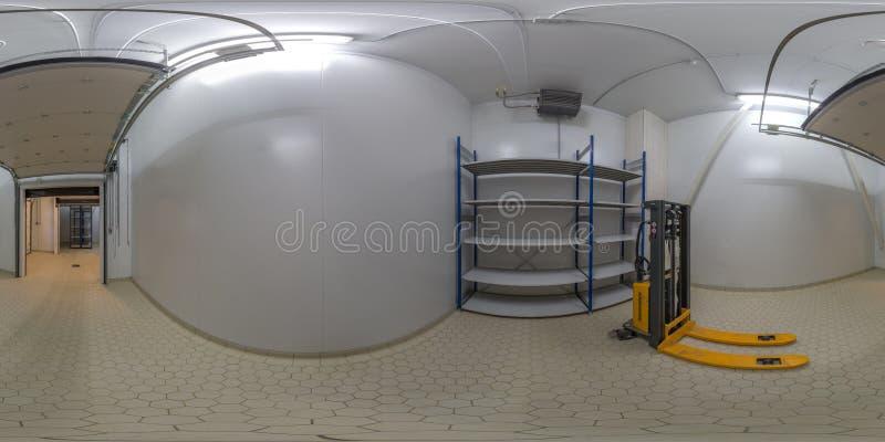 ТУЛА, РОССИЯ - 11-ОЕ ФЕВРАЛЯ 2013: Внутрь панорамы лаборатории фабрики еды сферически в equirectangular проекции стоковые фотографии rf