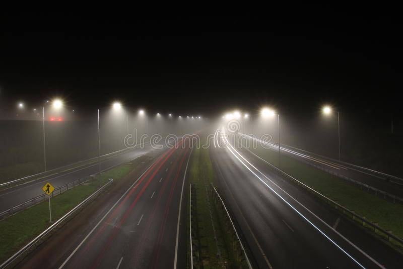 Туманное движение ночи стоковое изображение