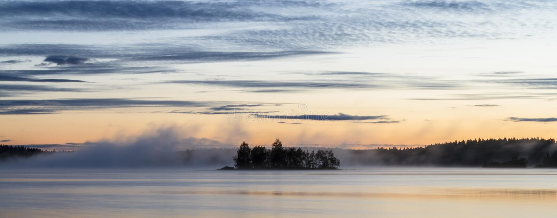 Туманное summernight стоковое фото rf