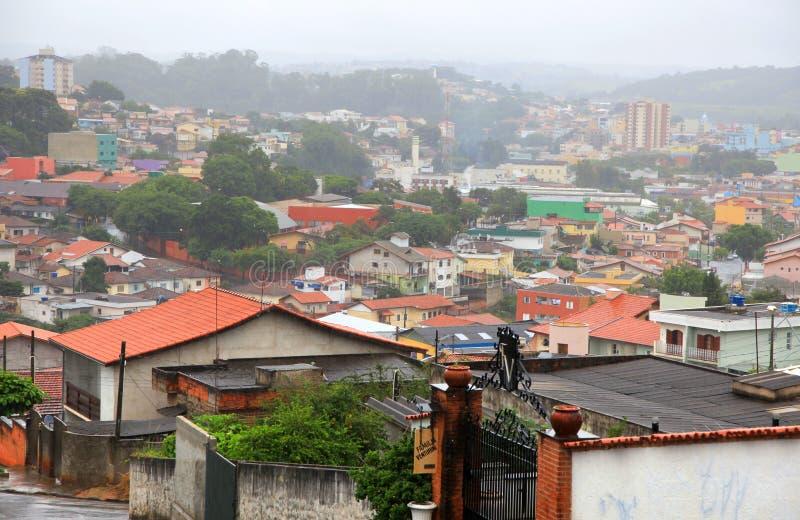 Туманный бразильский городок стоковое фото rf