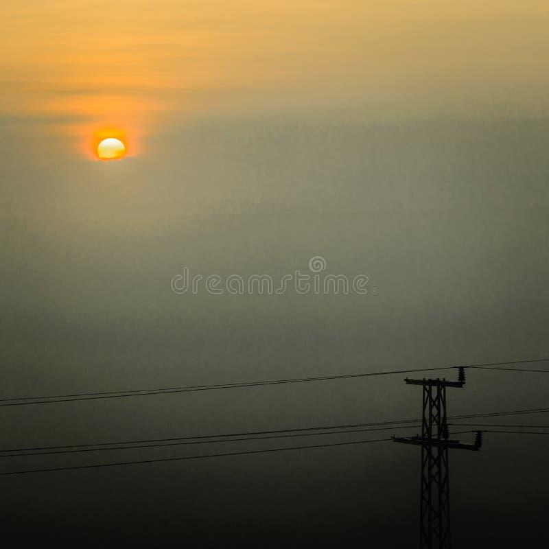 Туманный день в Yambol, Болгария стоковое фото rf