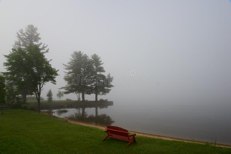 Download Туман на пляже стоковое изображение. изображение насчитывающей уныло - 41654359