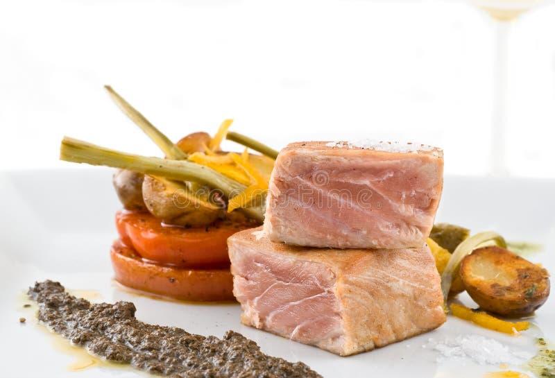 туна лакомки тарелки стоковое изображение