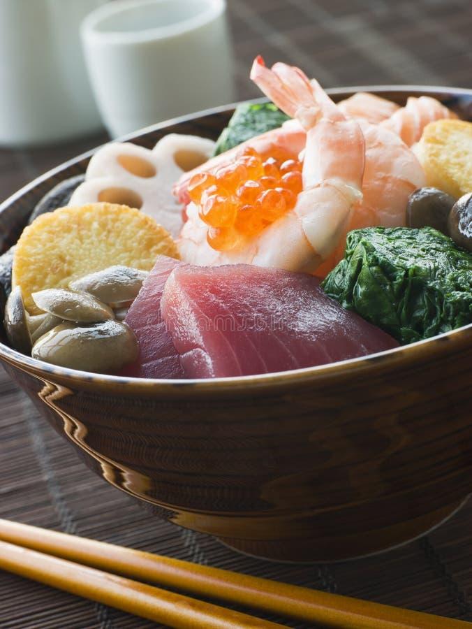 туна ve tofu суш риса креветки шара salmon стоковая фотография rf
