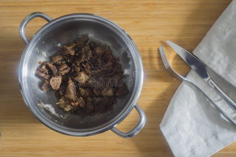 Турецкие взбитые яйца с Kavurma/Omlet или омлетом стоковые изображения rf