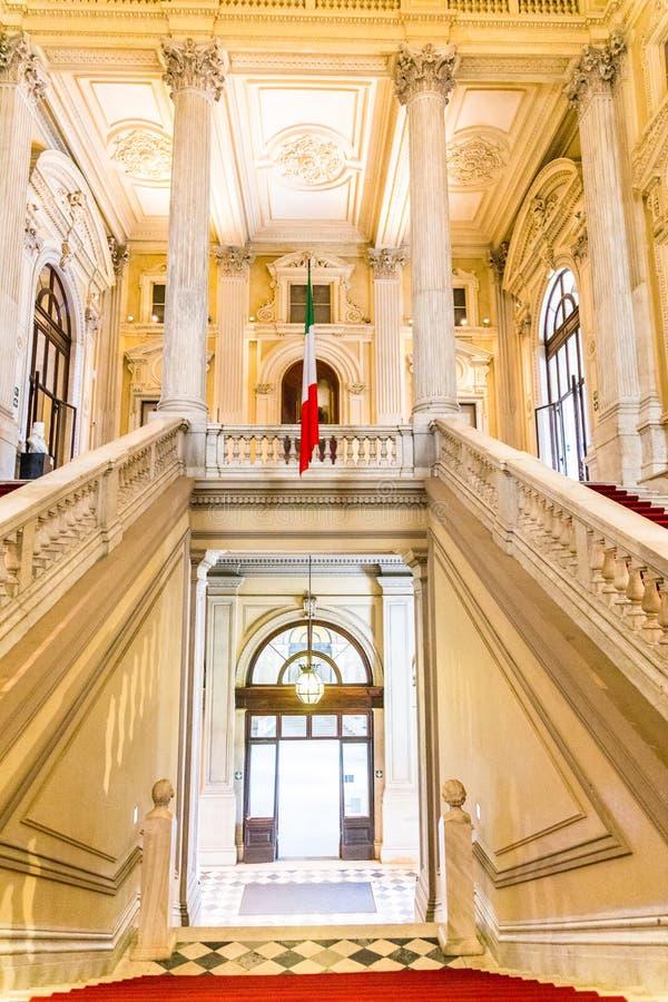 Турин, Пьемонт, Италия, 19-ое августа 2017 Внутренняя лестница Ca стоковое фото