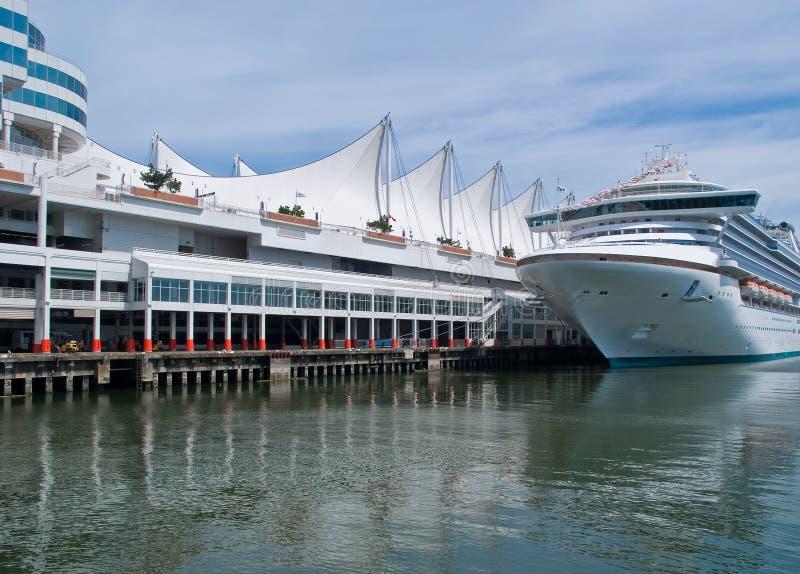 туристическое судно стоковые изображения rf