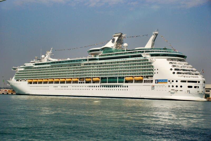 Туристическое судно океанского лайнера каникул стоковое изображение