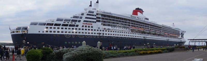 Туристическое судно ферзя Mary 2 стоковые изображения
